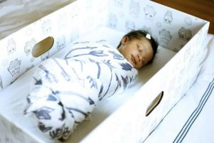 Safe sleep – the UK trials the Finnish cardboard box scheme for new parents